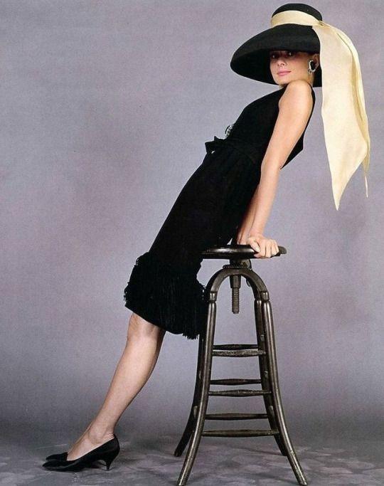 Audrey Hepburn, tubino nero