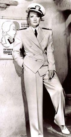 Marlene Diatrich nel suo famoso tailleur Yachtman