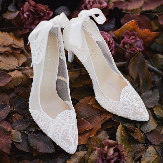 scarpa decolletè sposa in tulle e pizzo