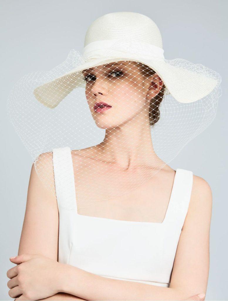 cappello da sposa tesa larga con veletta