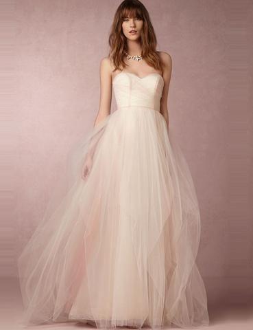 abito da sposa svasato minimal con gonna in tulle