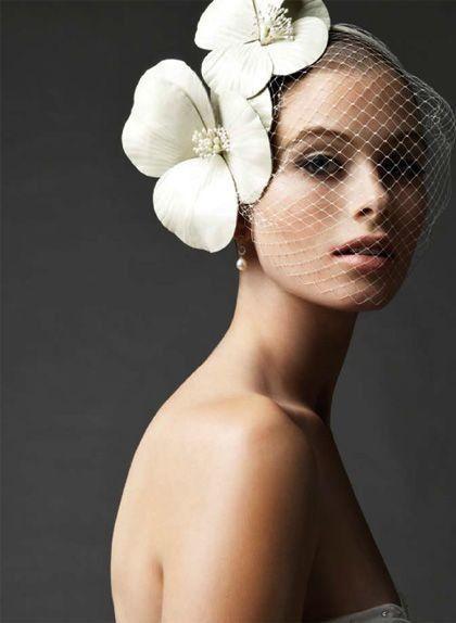 cerchietto con veletta da sposa a tema floreale