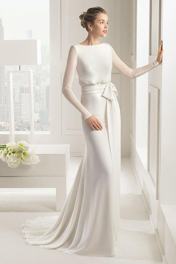 abito da sposa minimal in georgette e cady maniche lunghe