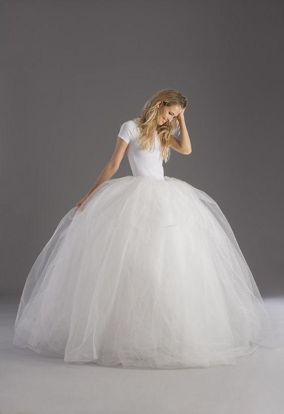abito da sposa economico t-shirt con gonna ampia in tulle