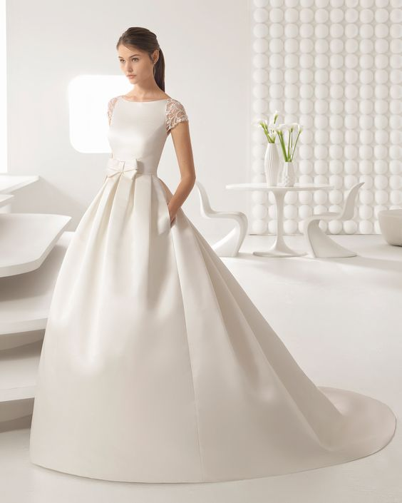 abito da sposa ampio stile bon ton ispirato ad Audrey Hepburn