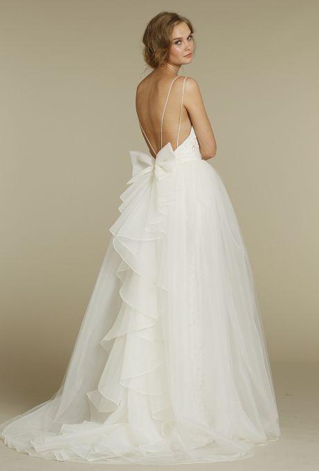abito da sposa ampio con fiocco in organza sul dietro