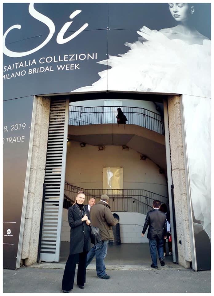 La Fata Madrina Alessandra Cristiani all'ingresso di Sìsposa Italia