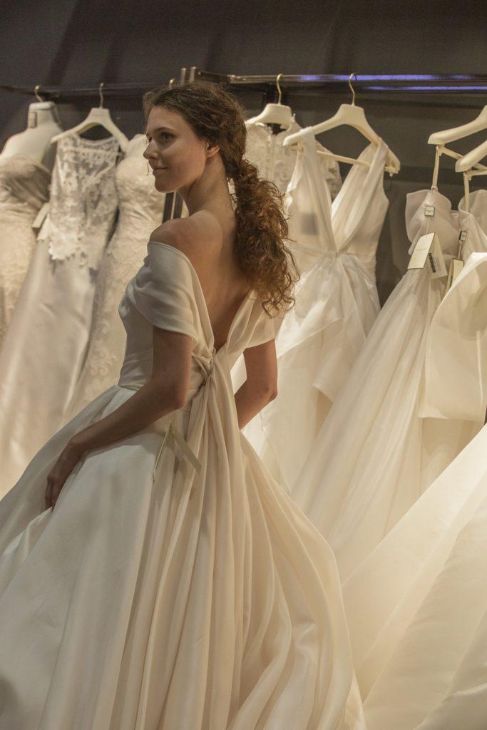 Abito da sposa Antonio Riva collezione Divina 2020
