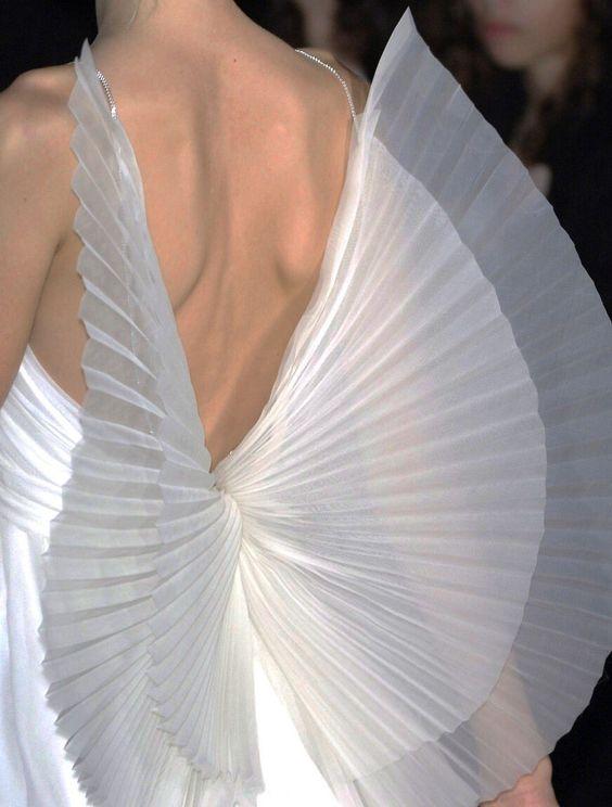 ali in organza plissè per schiena abito da sposa