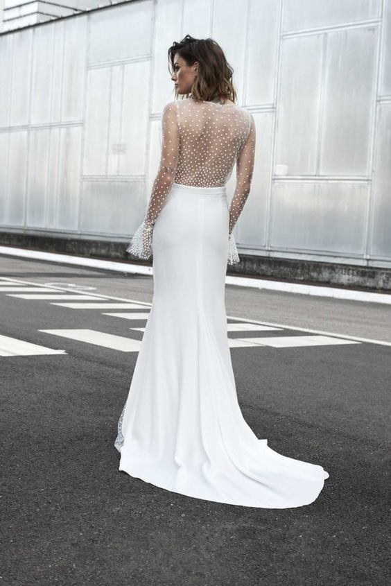 abito da sposa con schiena in tulle point d'esprit