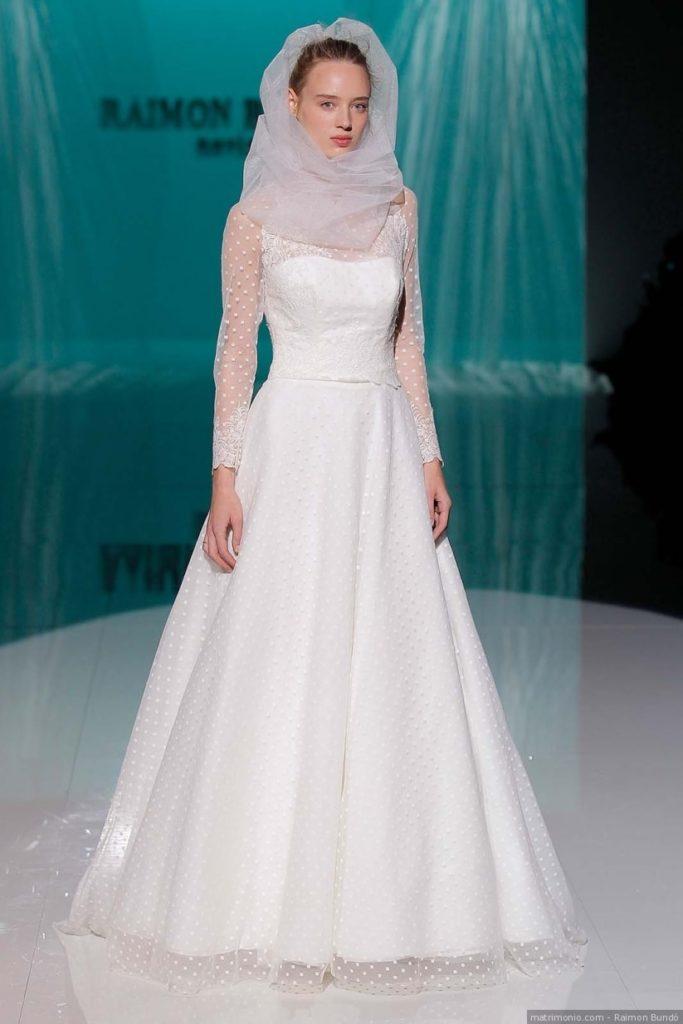 abito da sposa in  plumetis