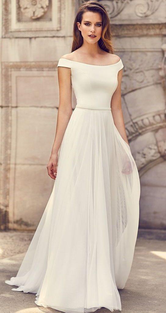 vestito da sposa morbido con scollatura omerale