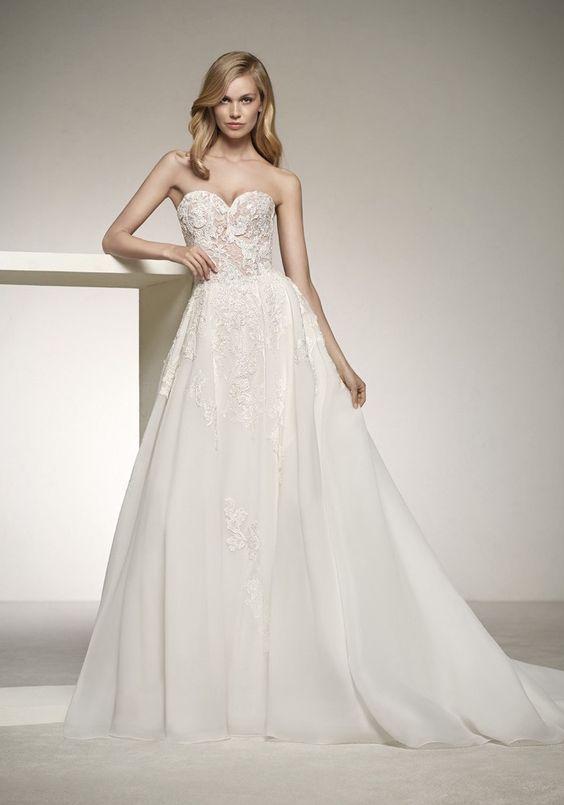 vestito da sposa ampio con scollo a cuore