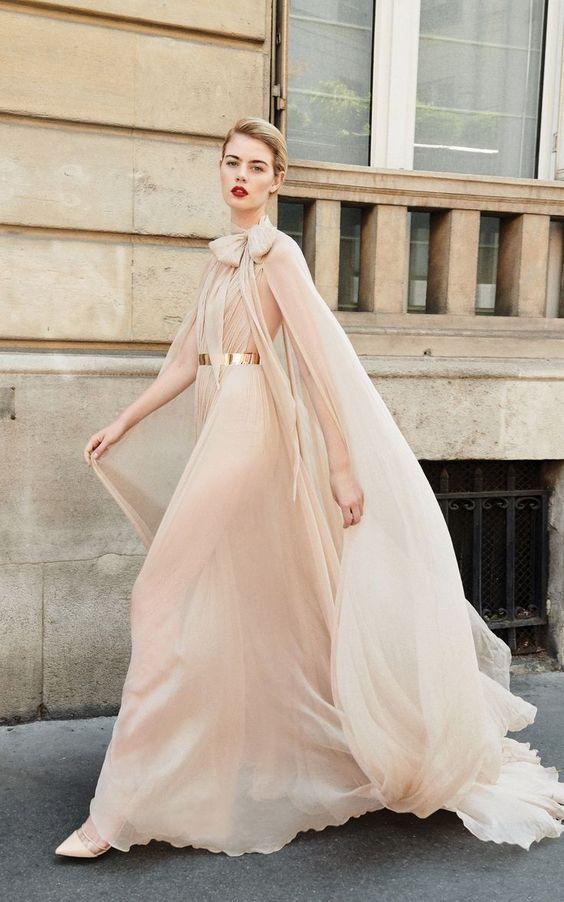 vestito da sposa rosa in chiffon