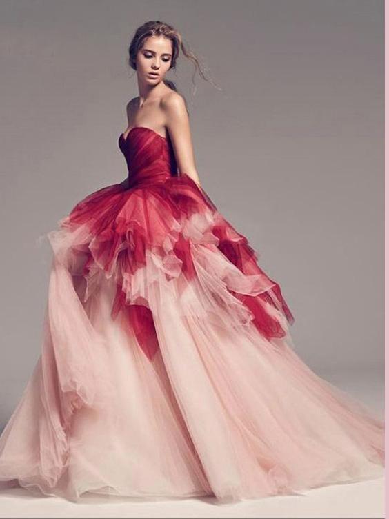 vestito da sposa rosa ampio in tulle degradee
