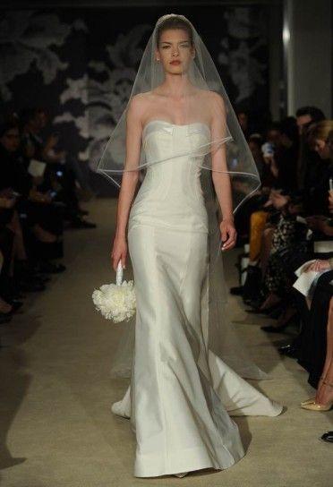 vestoto da sposa decolletè ad onda