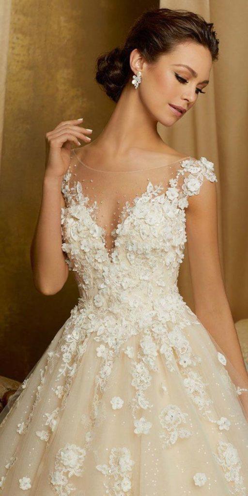 abito da sposa scollatura omerale effetto 3D