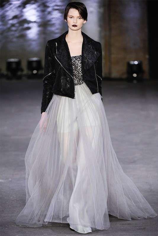 vestito da sposa rock con chiodo nero