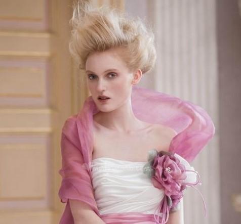 sposa e cambio d'abito arricchire con il colore