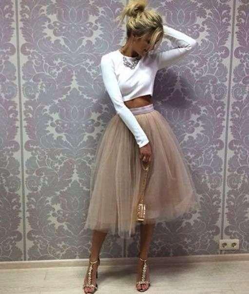 riciclare la gonna dell'abito da sposa abbinandola ad un pull