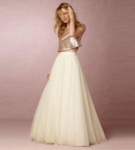 abito da sposa due pezzi con gonna in tulle e blusa dorata