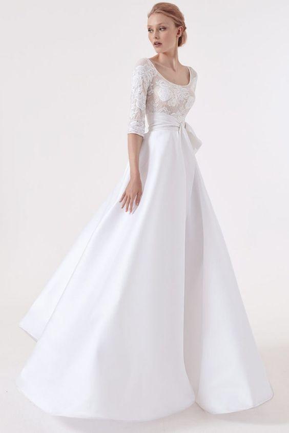 abito da sposa ampio  con corpetto in pizzo