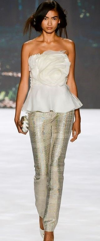 Idea recupero corpetto di abito da sposa abbinato con pantalone in lurex da sera