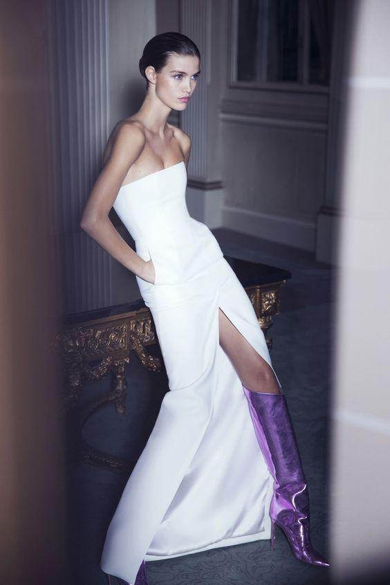 look sposa alternativo con stivake metallizzato