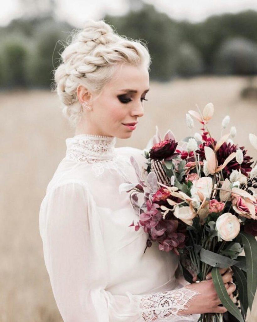 acconciatura da sposa con trecce