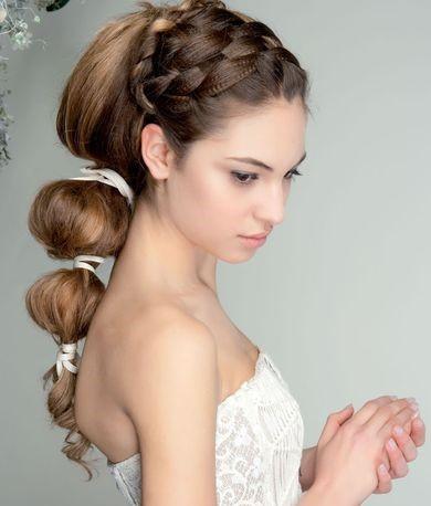 acconciatura  con trecce da sposa