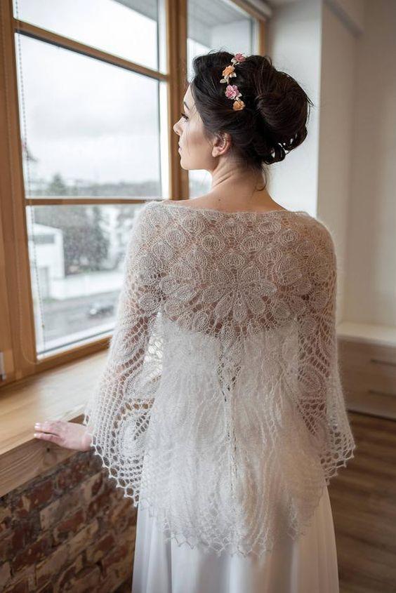 accessori sposa fai da te  scialle in lana fatto ad uncinetto
