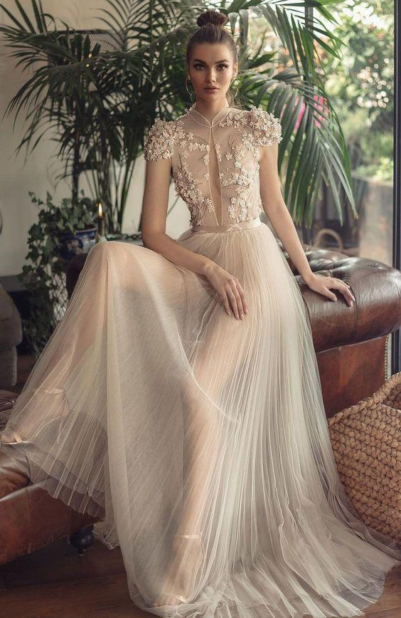 abito da sposa con gonna in voile plissè Berta