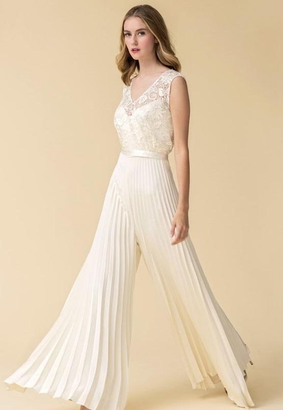 abito da sposa con pantalone plissè
