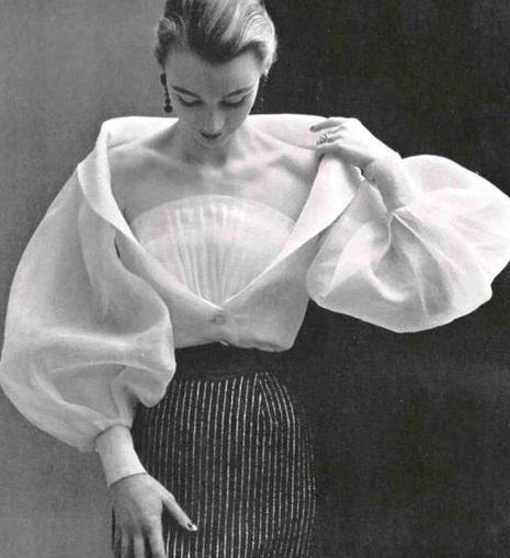camicia in organza  con plissè Givenchy 1952