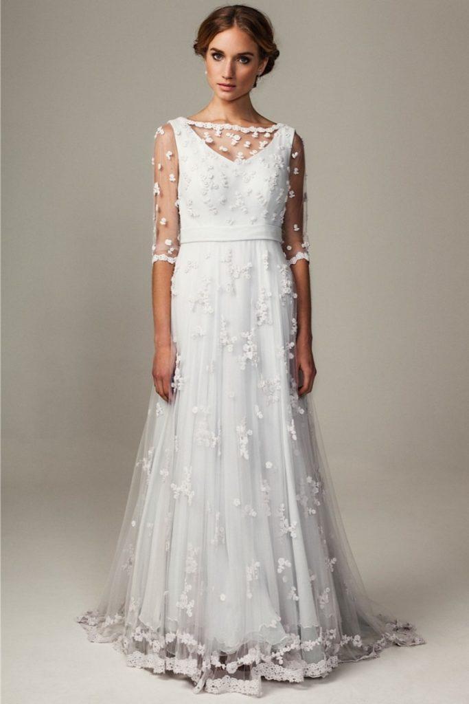 abito da sposa Giovana Dias con applicazioni a crochet