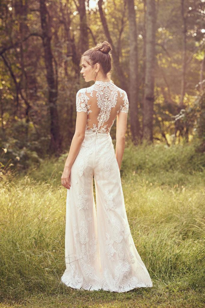 abito da sposa in pizzo con pantaloni Lillian West