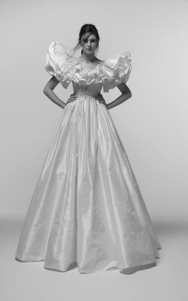 abito da sposa ampio in tessuto taffetà