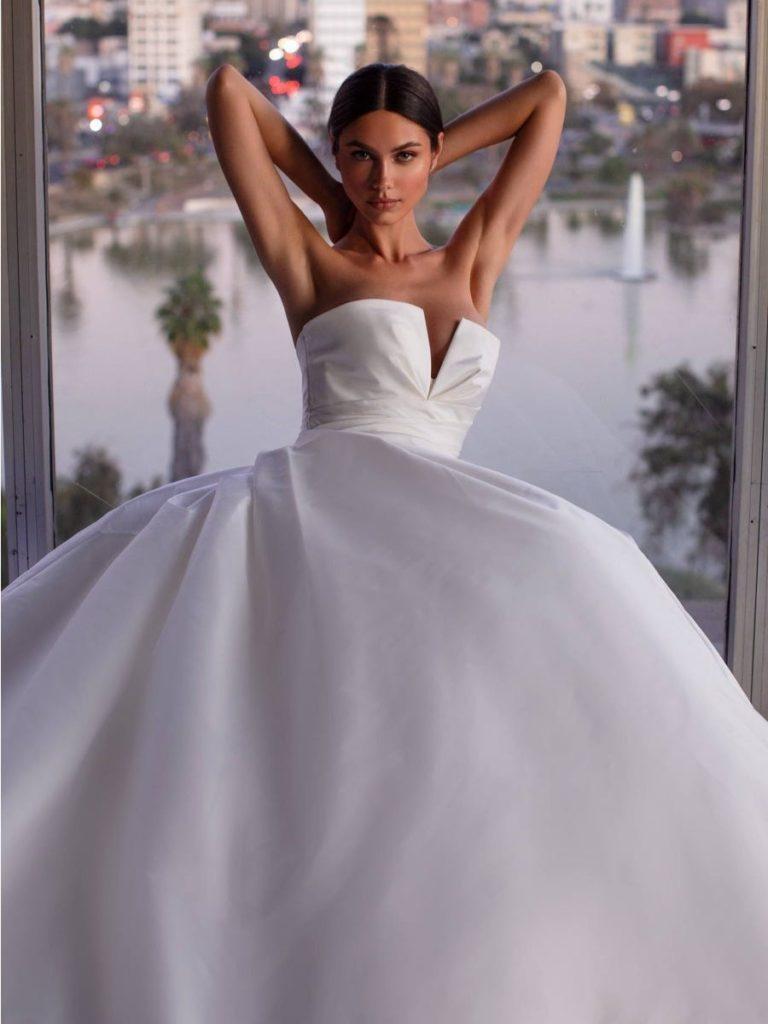 abito da sposaa in tessuto radzmir