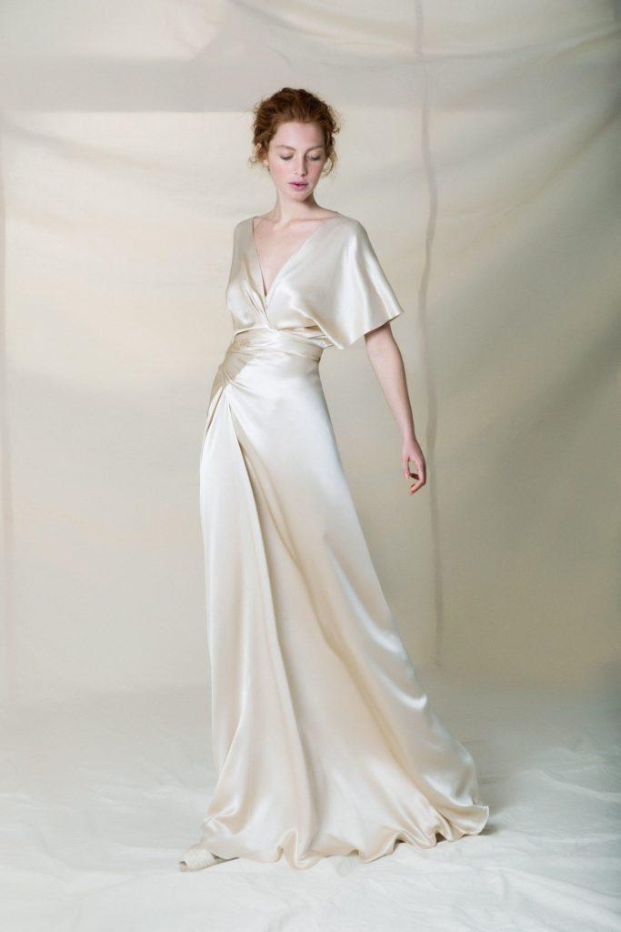 abito da sposa in tessuto satin