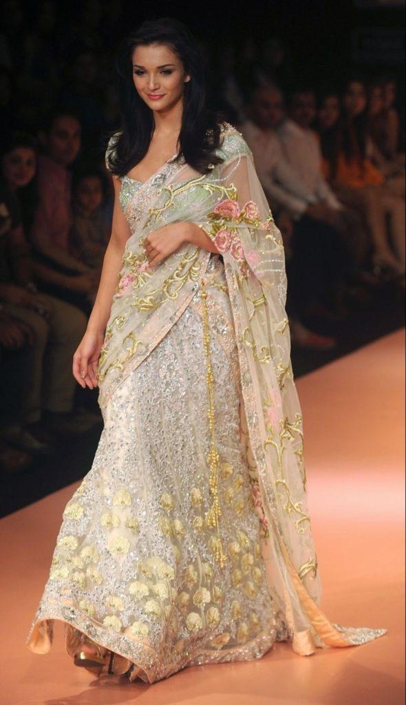 abito da sposa etnico indiano